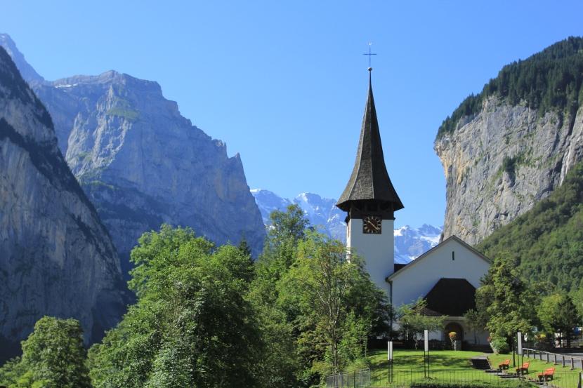 7.5 Photos that will make you want to visit Lauterbrunnen,Switzerland